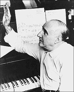Dimitri Tiomkin 1957.JPG
