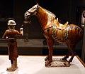 Dinastia tang, cavallo e palafreniere, 700-750 ca. 04.jpg