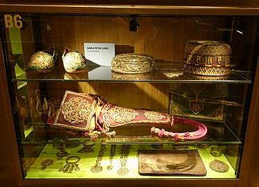Display case, unidentified objects - Etnografiska museet - Stockholm, Sweden - DSC00861.JPG