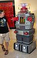 Dragon Con 2015 - Robot B-9 (21283814853).jpg
