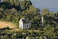 Eötvös-kápolna és obeliszk légi felvételen.jpg