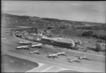 ETH-BIB-Flughafen-Zürich, Flughof, Flugzeuge-LBS H1-014549.tif