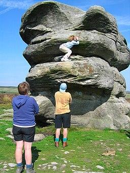 Eagle Stone, near Baslow Edge - geograph.org.uk - 236382