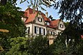 Ehemalige Villa Kayser Südost-Fassade mit Parkanlage (1907) 04.jpg
