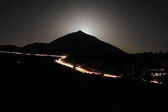 El Teide en la noche de las Lágrimas de San Lorenzo.jpg