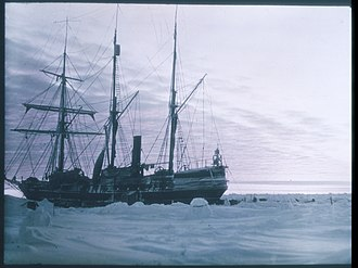 Frank Hurley - Image: Endurance in Antarctica, 1915 Hurley a 090007