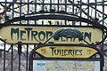 Entrée Métro Tuileries Paris 2.jpg