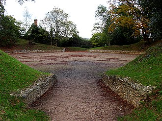 Devil's Highway (Roman Britain) - Calleva Atrebatum's ruined amphitheatre