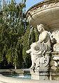 Erzsébet tér danubius-kút, részlet.JPG