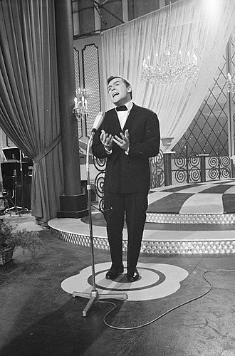 François Deguelt - François Deguelt at the Eurovision Song Contest 1962
