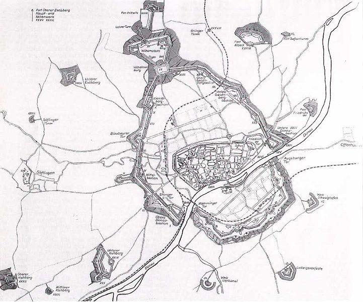 Die Bundesfestung Ulm ist mit einer Hauptumwallung von rund 9 km die größte Befestigung des 19. Jahrhunderts.