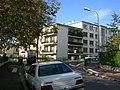 Flats in Suresnes 2006.JPG