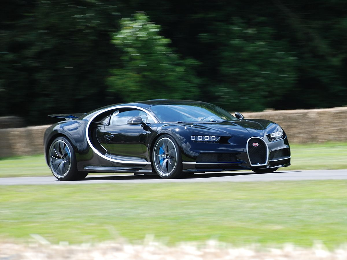 9 Seater Car >> Bugatti Chiron - Wikipedia