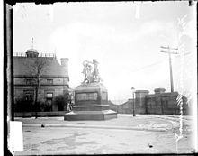 Fort Dearborn Massacre Monument at edge of Pullman Residence.jpg