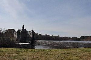 Framingham Reservoir No. 1 Dam and Gatehouse - Image: Framingham MA Reservoir Number One Gatehouse