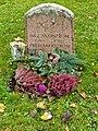 Fred åkerström, gravvård norra begravningsplatsen solna.jpg