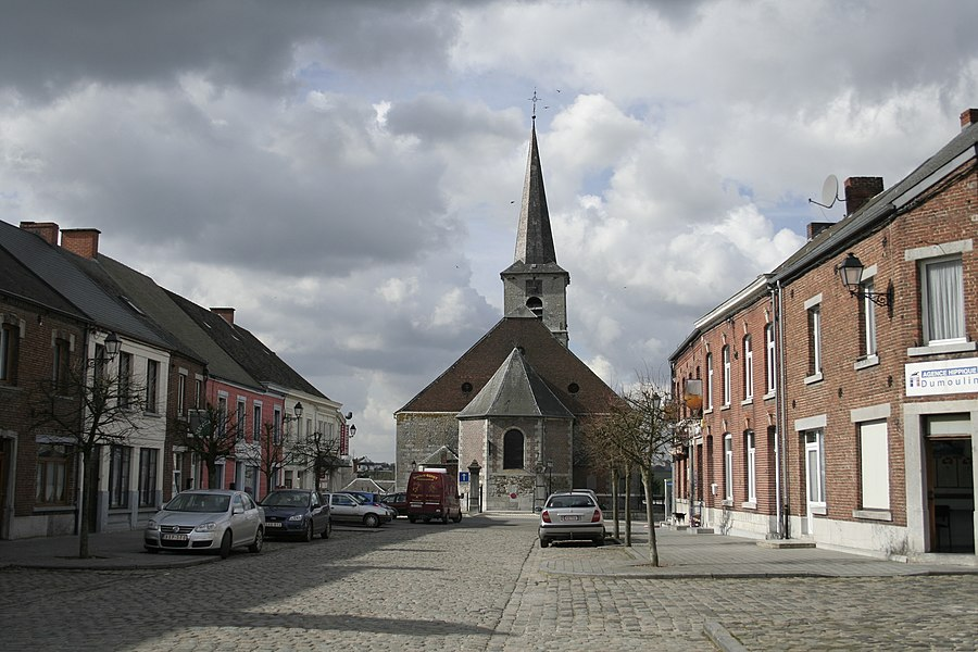 Froidchapelle  (Belgium), the place Albert 1er and the Saint Aldegone apse (XVI-XVIIIt centuries).