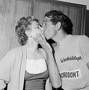 Gastone Nencini - Gastone Nencini with wife Bianca, wearing the pink jersey from the Giro d'Italia 1957
