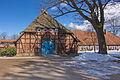 Gaststätte Haus am Landtagsplatz vor dem Denkmal Landtagsplatz Hösseringen (Suderburg) IMG 5635.jpg