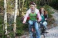Gente con bicicleta.jpg