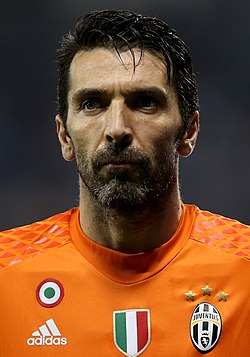 Gianluigi Buffon (31784615942) (cropped).jpg