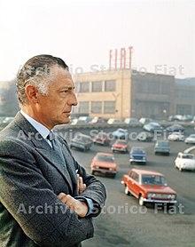 Gianni Agnelli presso lo stabilimento Fiat Mirafiori, Torino 1970 ca