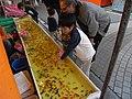 Goldfish scooping 001.jpg