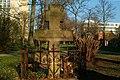 Grabmal des Wassiliy Gawrilow Neustädter Friedhof Hannover Rückseite nach Entfernung von Eibe und Busch durch das Grünflächenamt.jpg