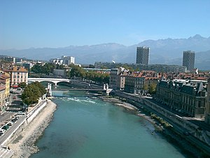 Isère (river) - The Isère in the center of Grenoble.
