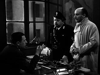 Mario Castellani - Pietro Carloni, Aldo Fabrizi and Mario Castellani in ''Cops and Robbers'' (1951)