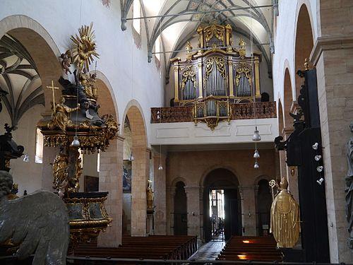 Gurk Dom Maria Himmelfahrt Innen 3.JPG