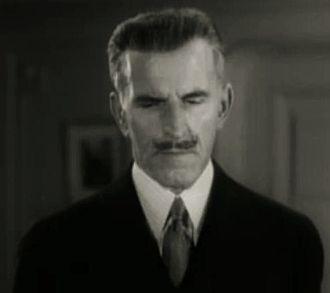 Gustav von Seyffertitz - von Seyffertitz in Mystery Liner (1934)