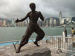 La sculpture de Bruce Lee sur l'Avenue des Stars à Hong Kong.