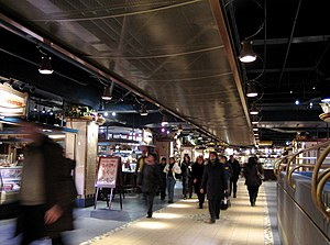 Underground City, Montreal - Halles de la gare, going from Central Station to Place Ville-Marie