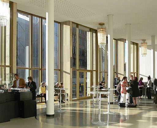 Hamburg Staatsoper Foyers 1