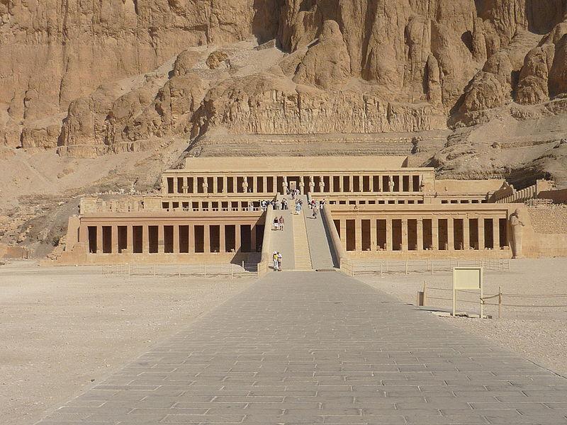 Fájl:Hatshepsut temple29.JPG