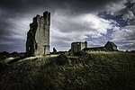 Helmsley Castle English Heritage.jpg