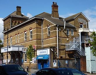 Herne Hill railway station - The station as seen from the southern end of Railton Road