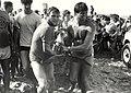 Het aanspoelen van een dolfijn aan het strand van Zandvoort, waarna hij werd vervoerd naar het Dolfirama. Aangekocht in 1983 van fotograaf C. de Boer. - Negatiefnummer 22141 k 20 a. - Gepubl, NL-HlmNHA 54013193 02.JPG