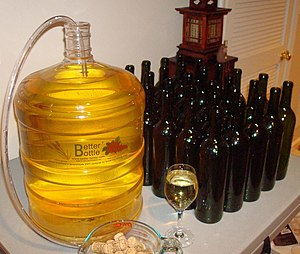 English: Home winemaking Trimmed version of th...