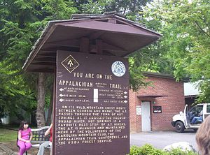 English: An Appalachian Trail sign in Hot Spri...