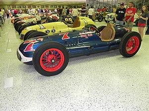 1949 Indianapolis 500 - Image: Indy 500winningcar 1949