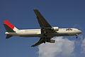 JAL B767-300(JA8268) (4264560880).jpg
