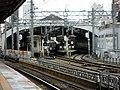 JR Sannomiya station platform - panoramio (6).jpg