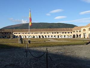 Jaca - Image: Jaca Castillo de San Pedro Patio de armas 03
