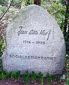 Jens-otto-krag-gravsten.jpg