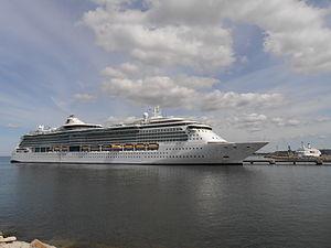 Jewel of the Seas in Tallinn 19 May 2012.JPG
