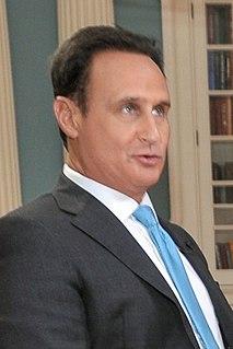 José Díaz-Balart Cuban-American journalist and television anchorman
