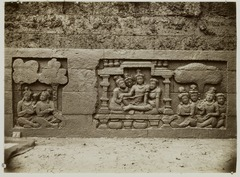 KITLV 27996 - Kassian Céphas - Relief of the hidden base of Borobudur - 1890-1891.tif