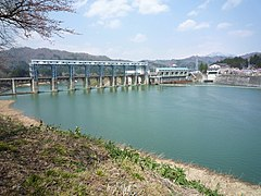 Kaminojiri Dam and lake.jpg